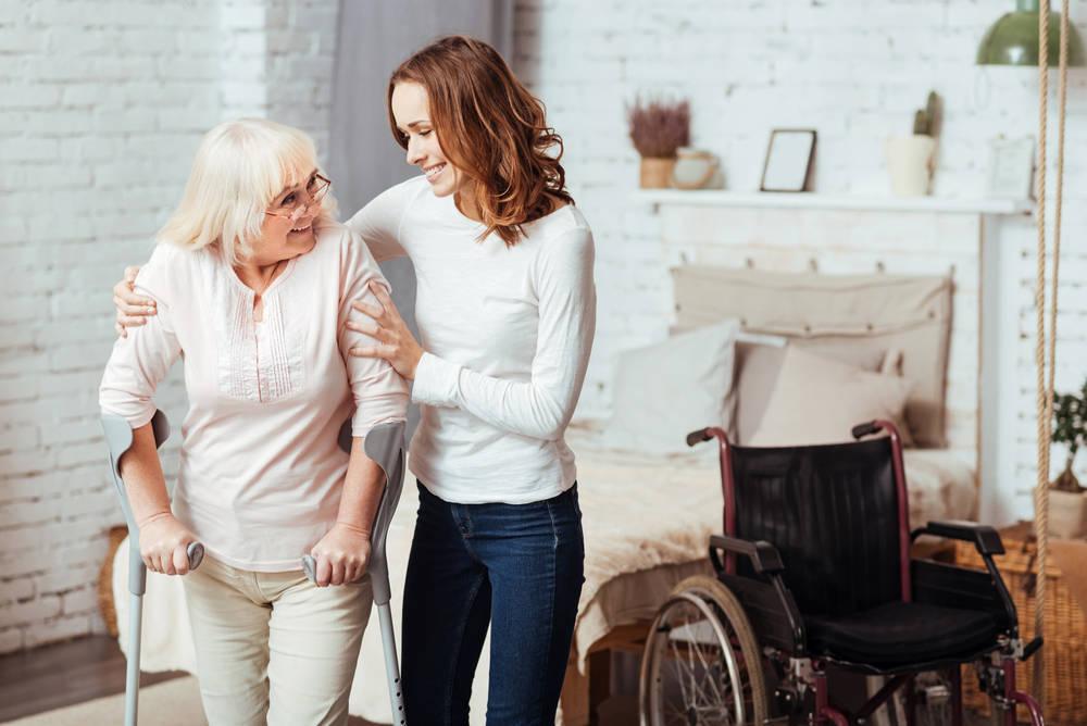 Los servicios sociosanitarios, un gran apoyo para las personas mayores