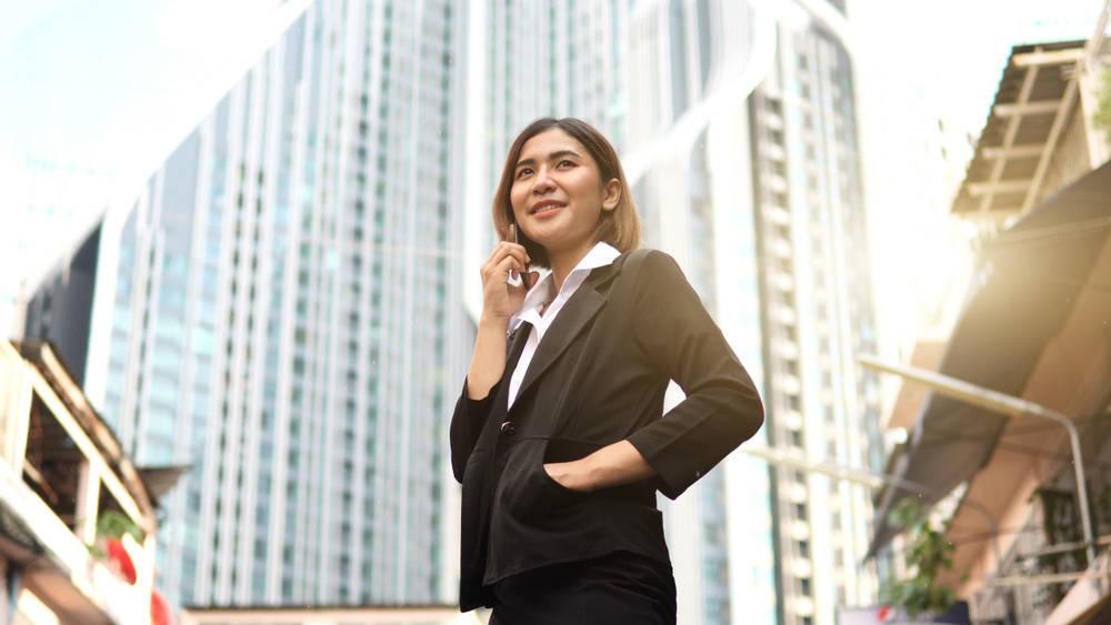 La mujer sigue corrigiendo sus 'defectos físicos' para acceder a puestos de responsabilidad en las empresas